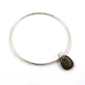 Sterling Silver Hammered Bangle with a Brown Beach Stone Charm b233