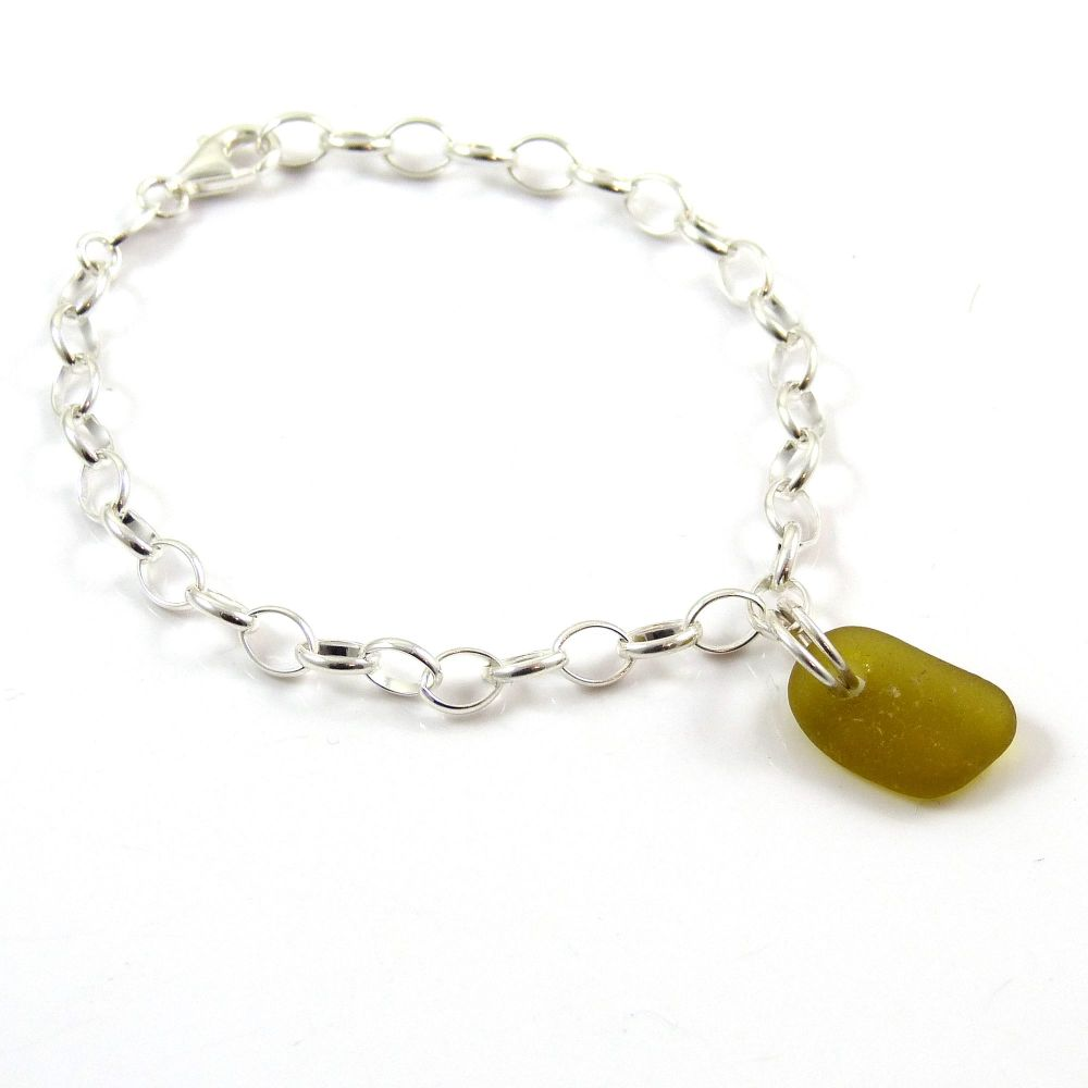 Peridot Sea Glass and Sterling Silver Bracelet 4mm links