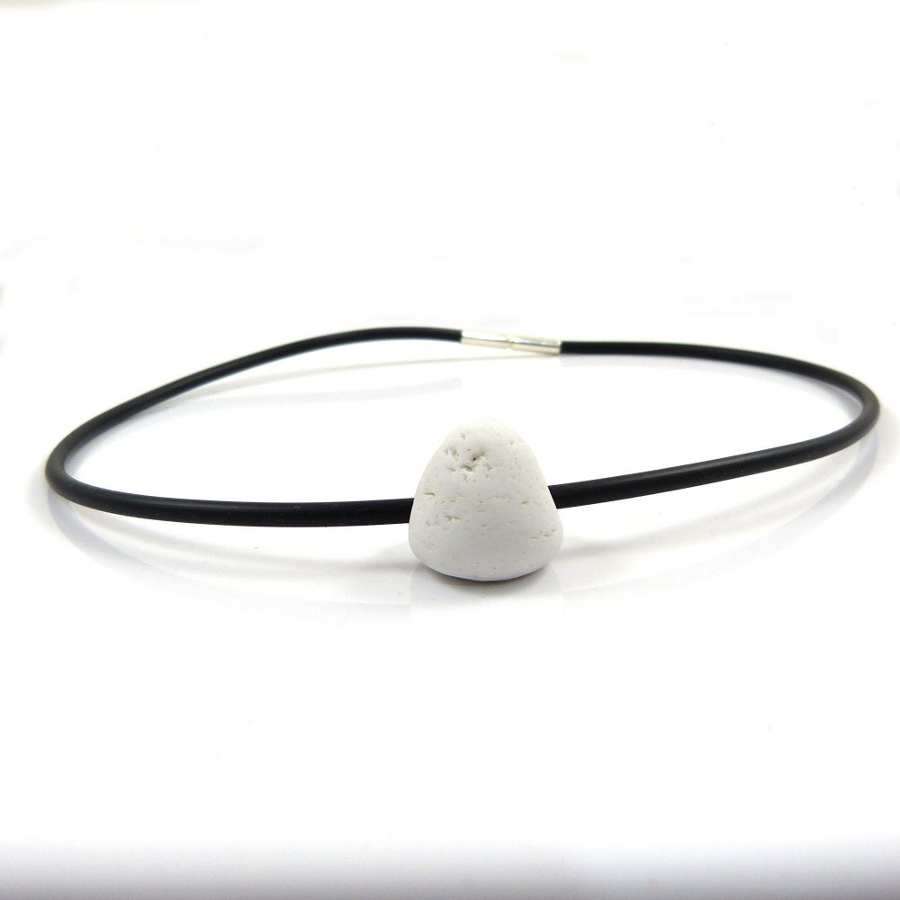 White Beach-find Pendant Necklet