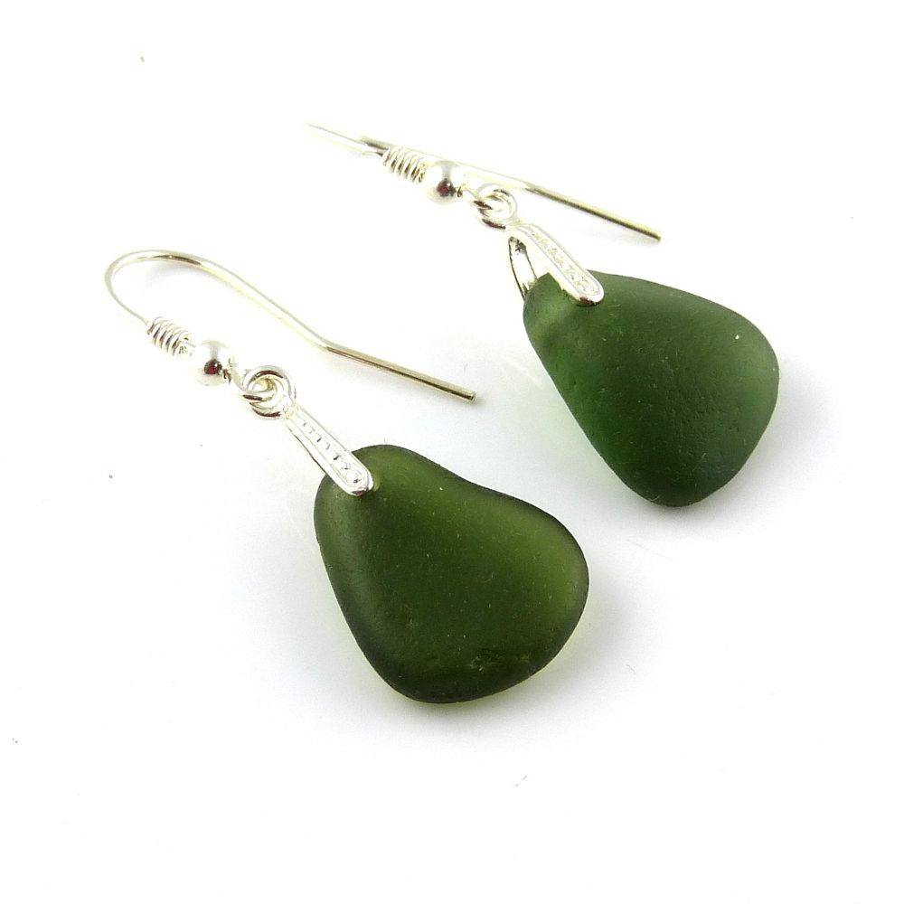 Hunter Green Sea Glass Drop Earrings e110