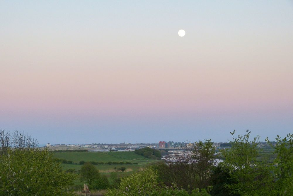 20200507 nearly full moon over amble (12) copy