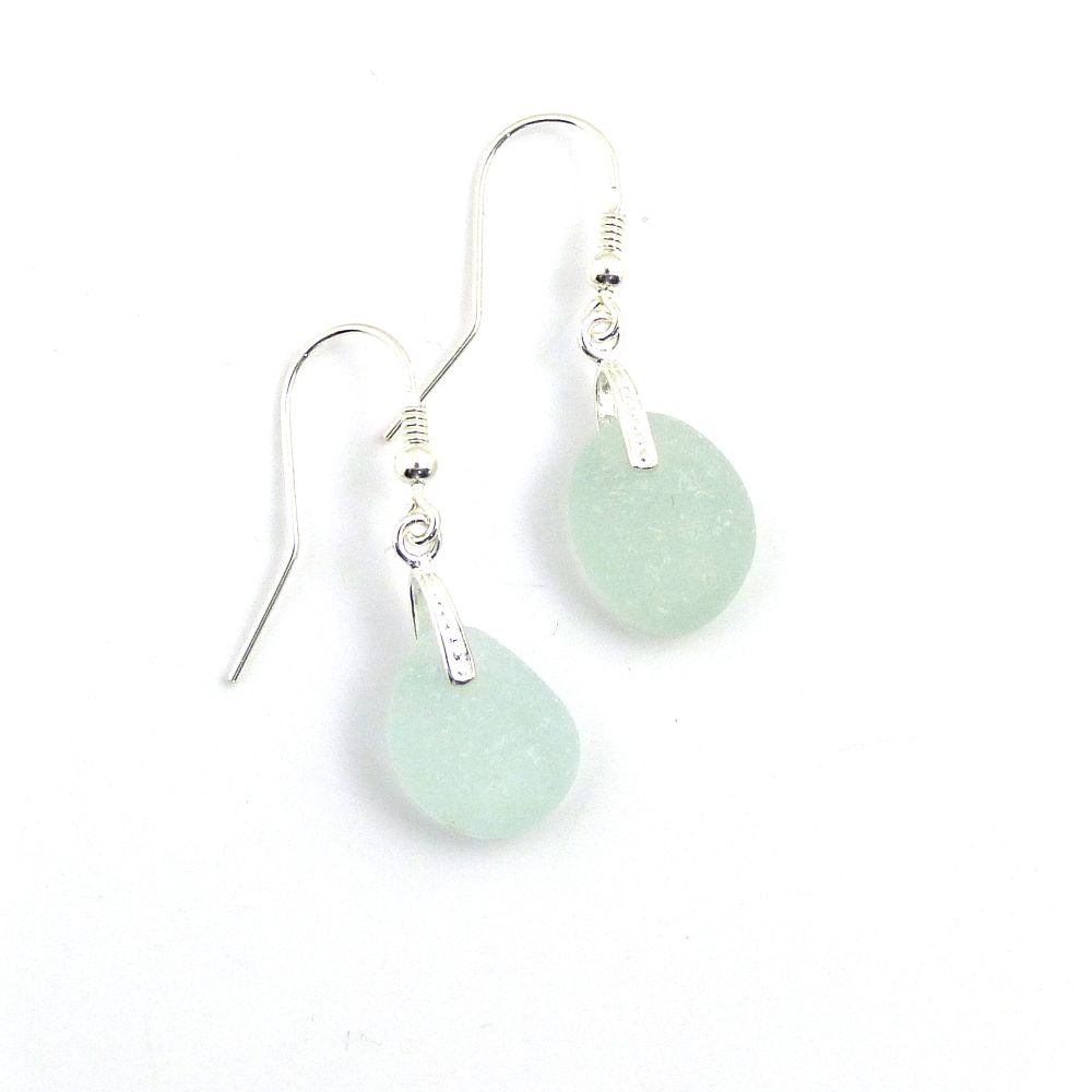 <!--004-->Earrings