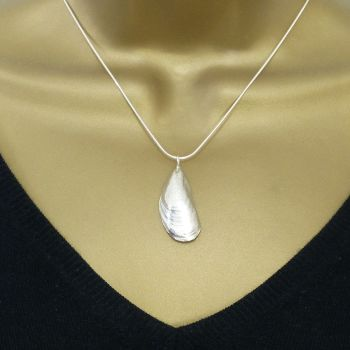 Sterling Silver Mussel Shell Pendant Necklace - Medium Mussel Shell