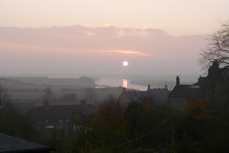sunrise over amble marina