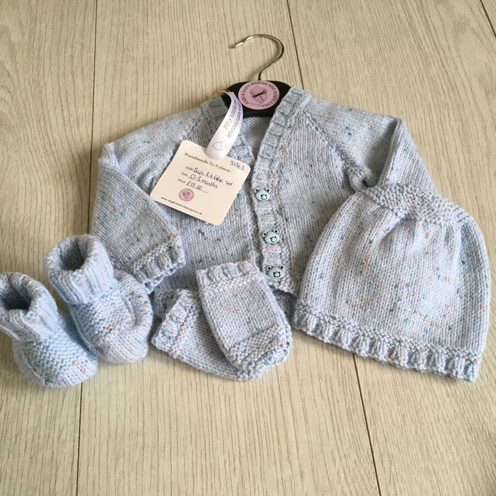 Knitted Sets.