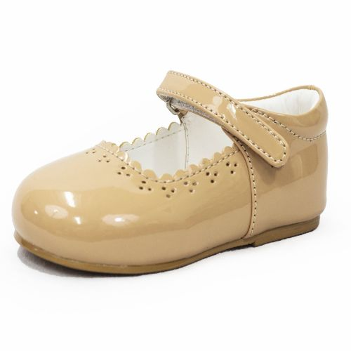 Early Steps Girls Brogue Shoes in Beige.