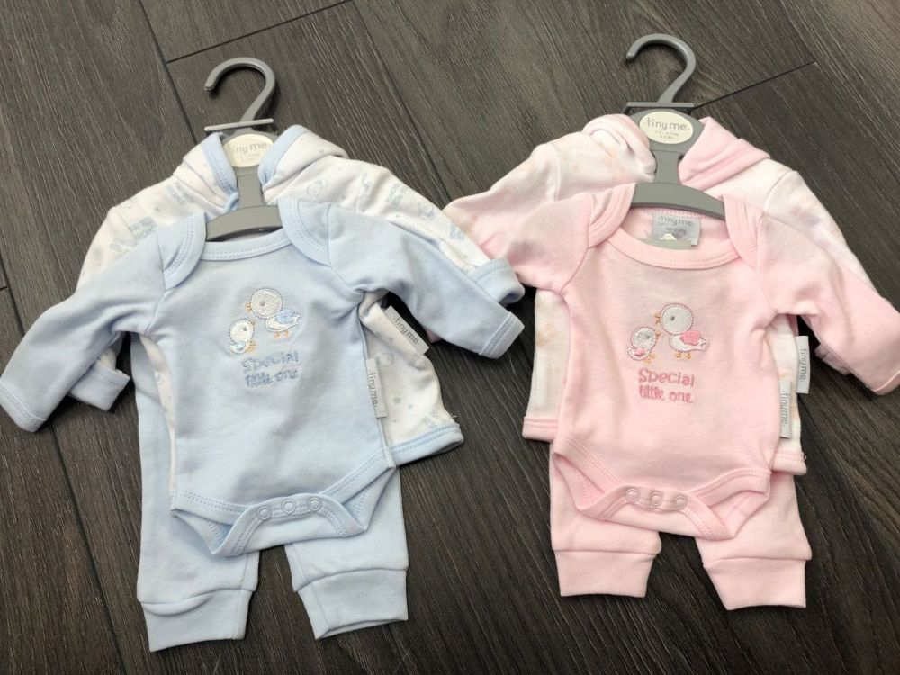 Tiny Chick Special Little One 3 Piece Set. Pink or Blue. (3-5lbs & 5-8lbs)