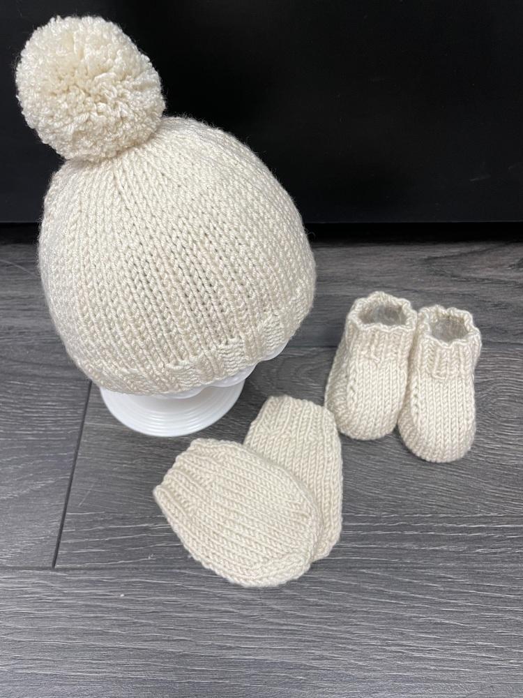 Hat, Bootie & Mittens Set in Stone 0-3 Months.