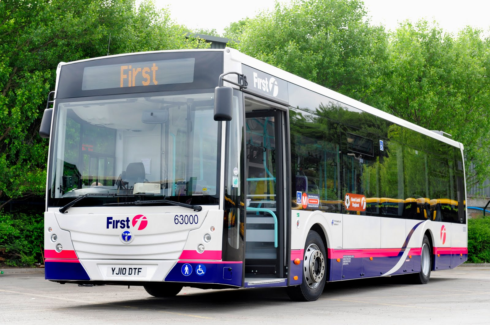 First Kernow bus service