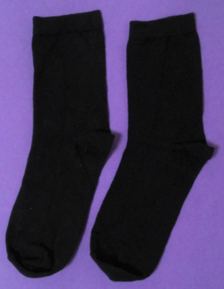 12 Boys/Girls Navy Ankle Sock Size 9-12 only 30p