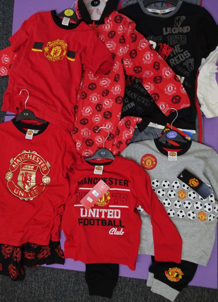 New Product 14 boys and mens manchester united pyjamas just £2.50 each
