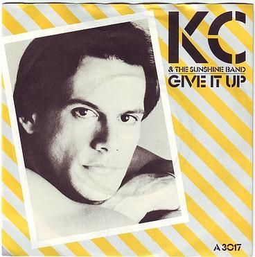 KC & THE SUNSHINE BAND - GIVE IT UP - EPIC