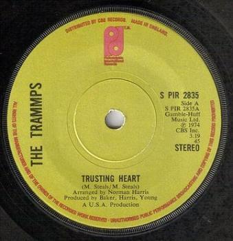 TRAMMPS - TRUSTING HEART - PIR