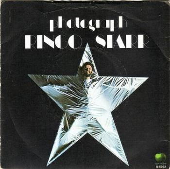 RINGO STARR - PHOTOGRAPH - APPLE