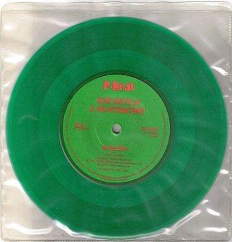 ELVIS COSTELLO - GREEN SHIRT - F BEAT