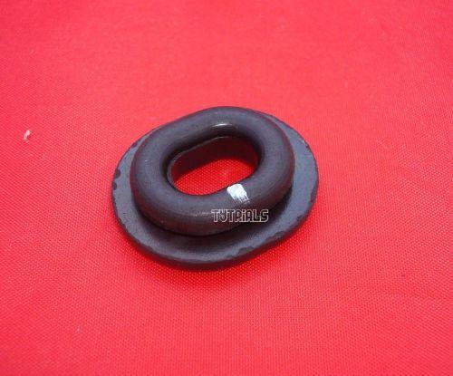 5. Left Sidepanel Grommet - XT250