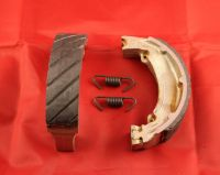 19 & 20. Front Grooved Brake Shoes & Springs - TY250 Twinshock