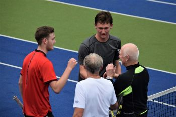 Mens doubles handshake 2017