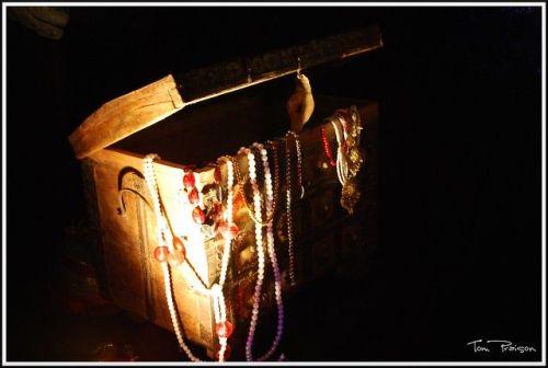 Treasure chest by Tom Praison