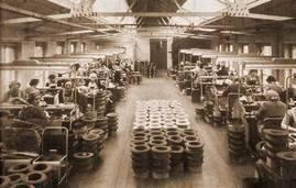 Loft hat-trimmers-1950