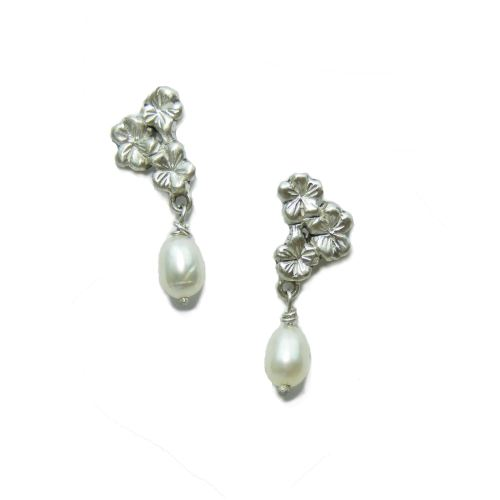 Silver Sakura Earstuds with Pearl