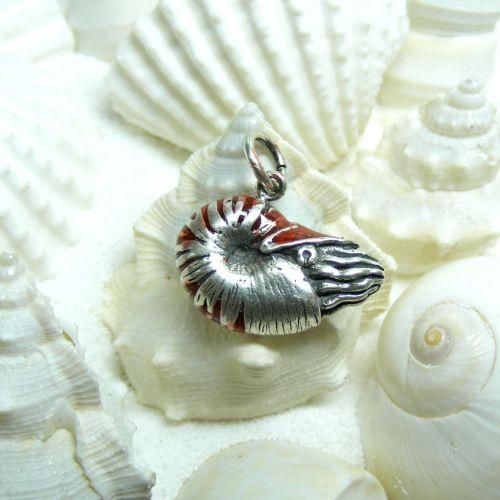 Nautilus Pompilius Charm