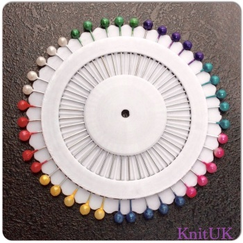 Sewing Pins - Assorted colours. 36mm (1disc)