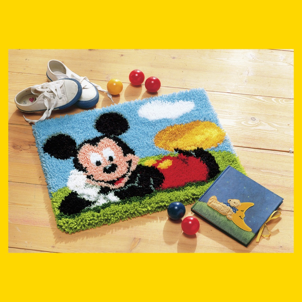 Mickey Mouse Rug Kit (Vervaco). Latch Hook