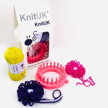 KnitUK Flower Loom: 20 pegs.