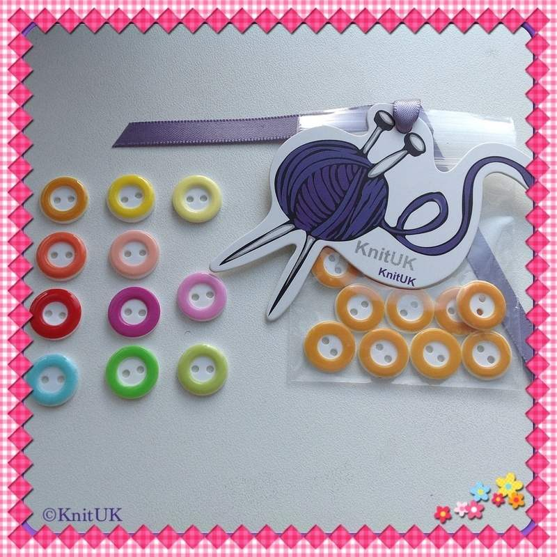 circle buttons bag and colours
