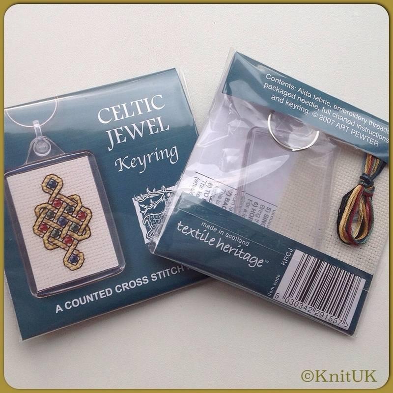 TH Keyring Celtic jewel fb