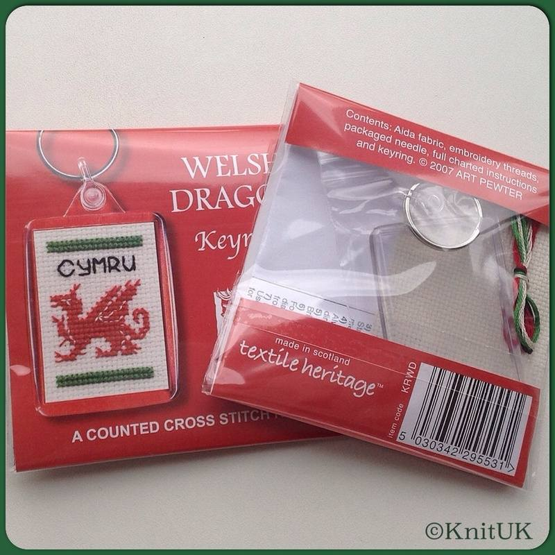 TH Keyring welsh dragon fb