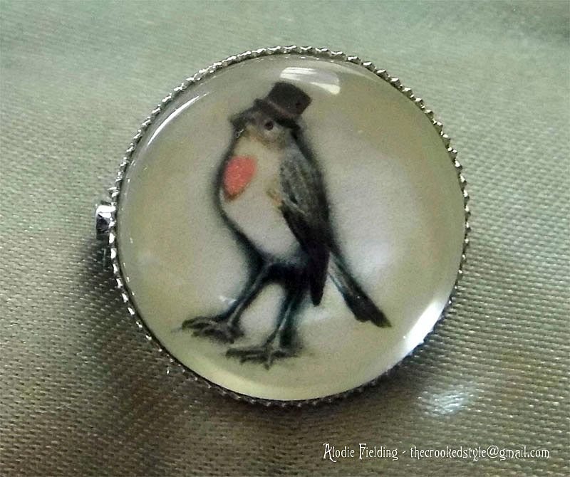 ROBIN IN A TOP HAT BROOCH