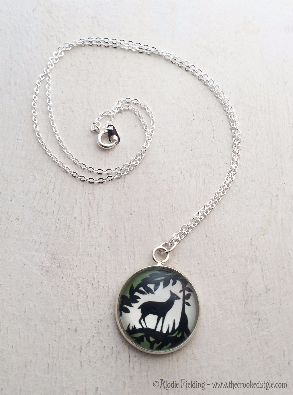 FOREST DEER 20mm SILVER PLATED PENDANT