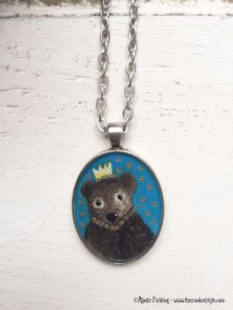 BEAR WITH CROWN - PENDANT