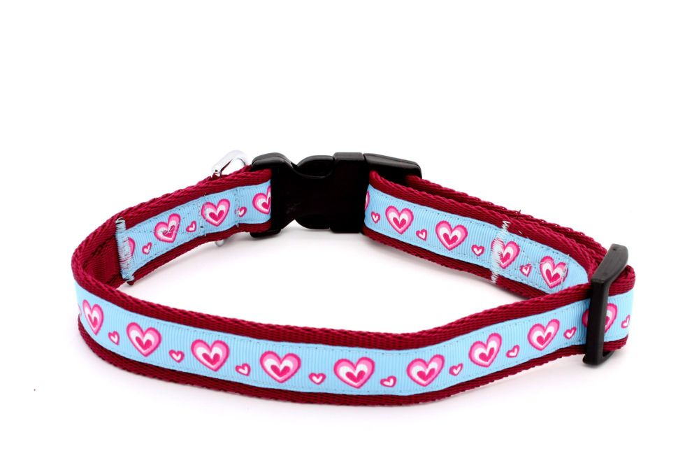 Pale blue/pink hearts Collar