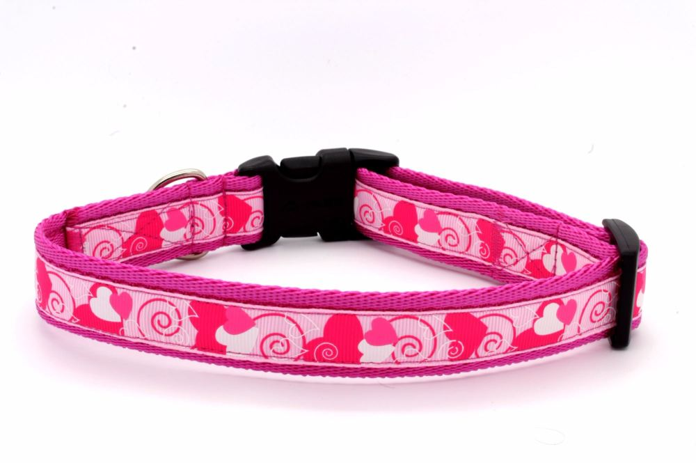 Pink/cerise hearts Collar