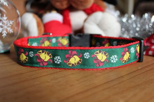 Green Jingle Bells Collar