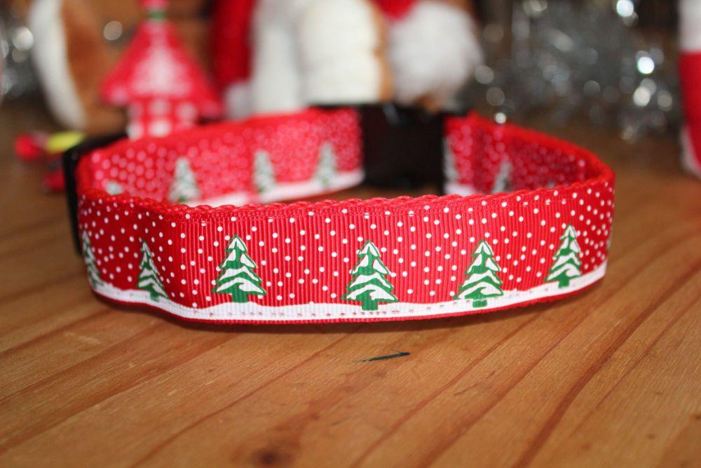 Snowy Christmas Trees Collar