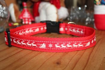 Red Reindeers Collar