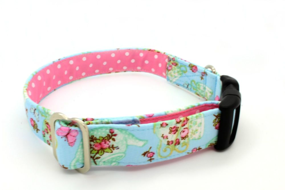 Blue teacup & roses Collar