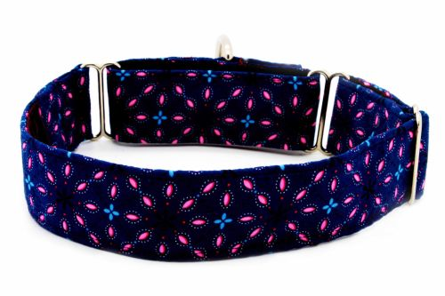 Navy flower square Hond Collar