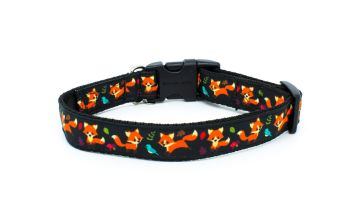 *NEW*  Playful Foxes Collar