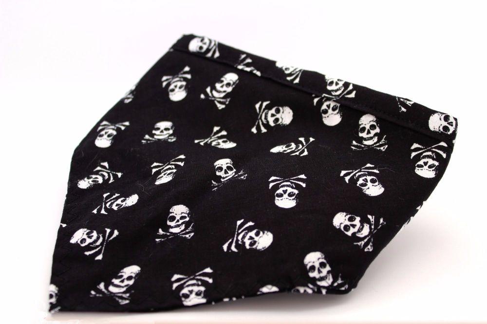 Black skull & Crossbones Bandana