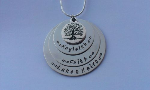 Family tree stacked pendant