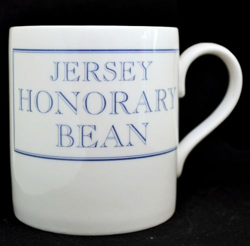 JERSEY HONORARY BEAN Mug in Blue
