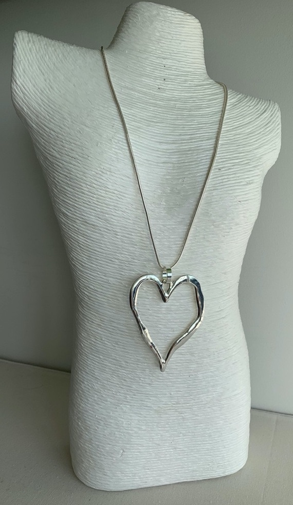 Long Heart Silhouette Necklace - Shiny Silver