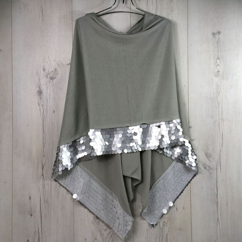 Wrap with Sequin Trim SILVER