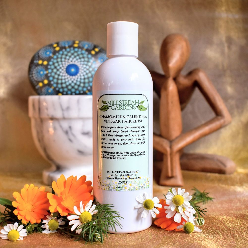Vinegar Hair Rinse: Chamomile & Calendula - 250mL Bottle
