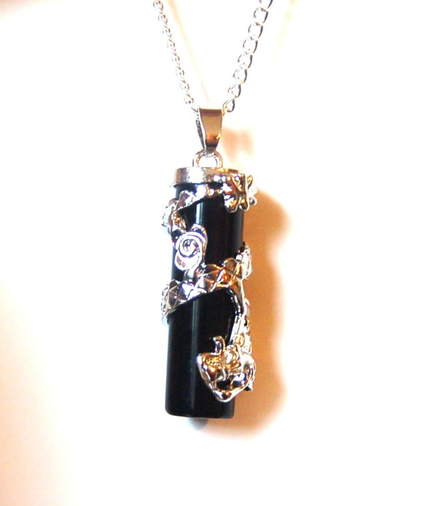 LARGE Dragon Glass Obsidian Pendant Chain Boxed Gift  GAME OF THRONES Ward off the Whitewalkers FREE SHIP UK